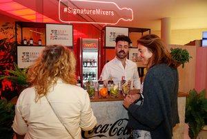 El stand de Coca-Cola deleitó a los asistentes con sus cócteles