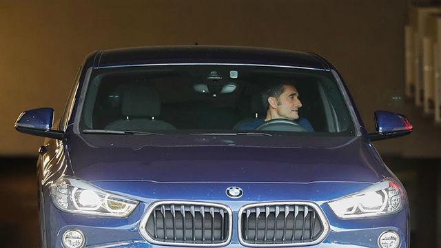 Valverde acudió a la Ciutat Esportiva a despedirse de la plantilla