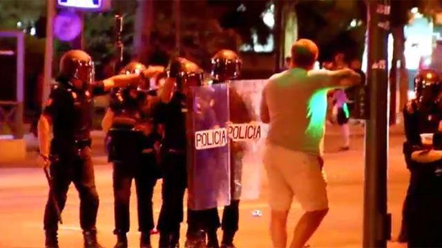 Altercados de los hooligans ingleses en las calles de Sevilla