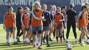 Calendario Bayern.Oficial El Calendario Juega Contra El Barca Femenino