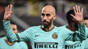 Borja Valero con la camiseta del Inter