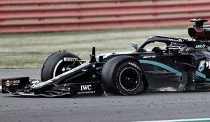 En este estado llegó el coche de Hamilton a meta