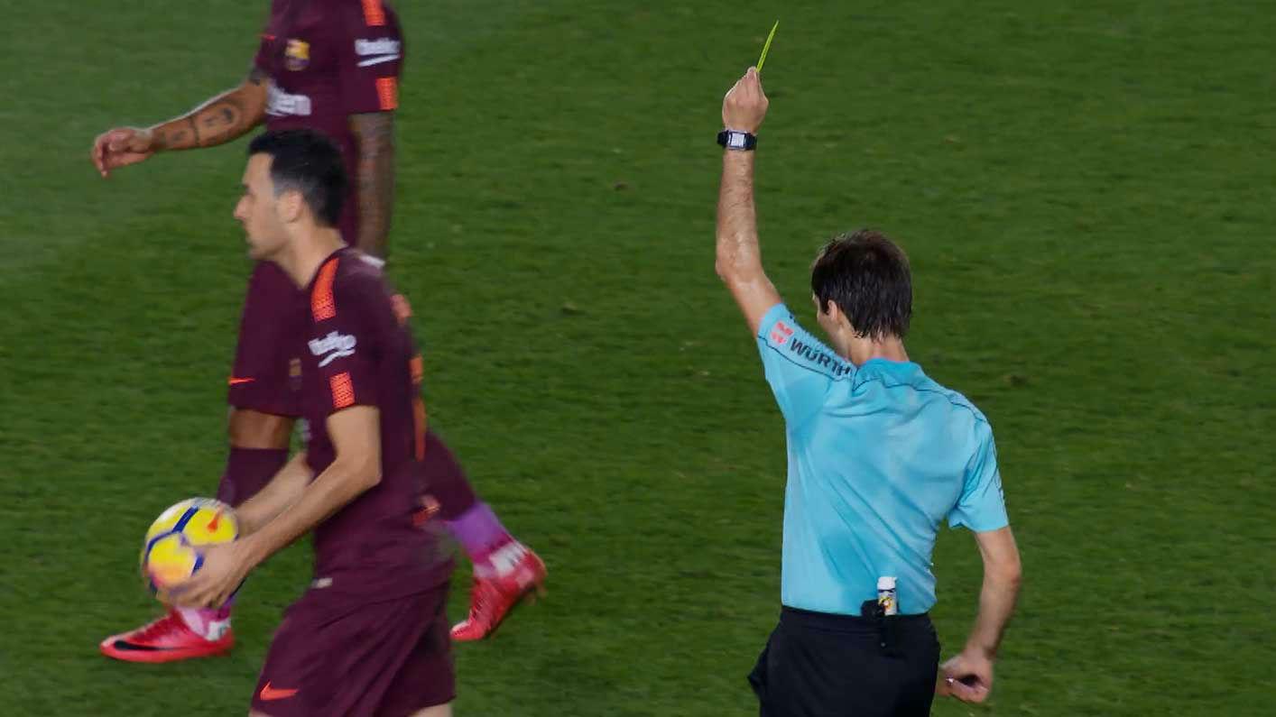 LALIGA | Villarreal - FC Barcelona (0-2): La amarilla de Busquets