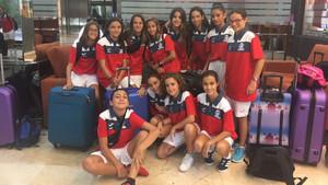 Las chicas del Valencia viajan cargadas de ilusión