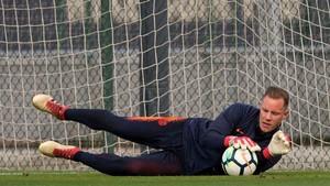 Marc-André Ter Stegen, guardameta del FC Barcelona, en un entrenamiento en la Ciudad Deportiva