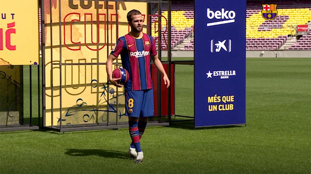 Pjanic ya viste del Barça y da sus primeros toques como azulgrana en el Camp Nou