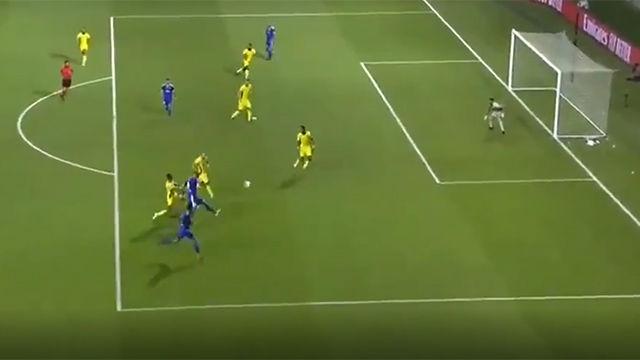 Pocos goles habrás visto con el exterior de esta manera... ¡Qué chicharro de Negredo!