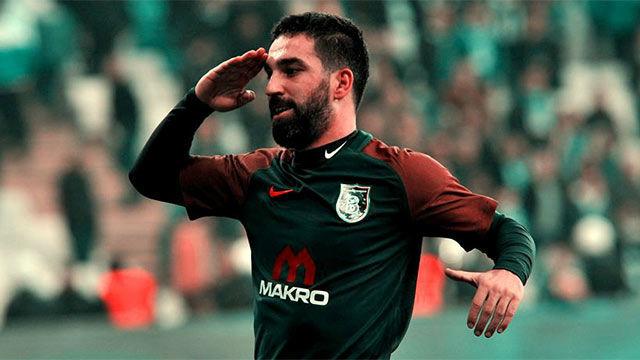 El primer gol de Arda Turan con el Basaksehir