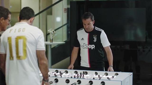 El reto al futbolín entre Figo y Del Piero: ¿quién ganará?