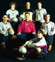 El sueño roto de Van Gaal. Louis van Gaal llenó el Barça de holandeses pero decía que su sueño era ganar la #UCL con gente de la casa. No lo logró, pero dejó un valioso legado futbolístico