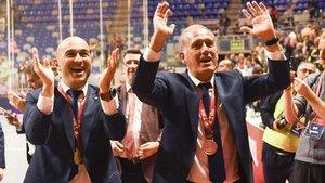 Andreu Plaza y su segundo Miguel Andrés eran todo felicidad