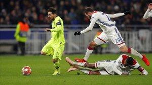 El Barça no resuelve en el partido de ida