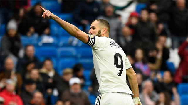 Benzema remató a placer su primer tanto ante el Eibar