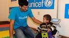 Djokovic visitó a niños refugiados en Belgrado