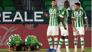 El gol de Aïssa Mandi inició el camino de la remontada bética