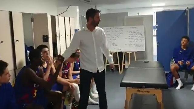 Navarro felicitó personalmente al infantil tras ganar la minicopa