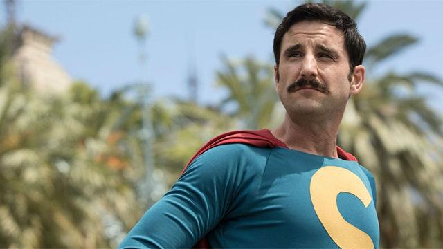 Pronto en los cines Superlópez, el nuevo héroe elienígena español