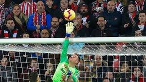 Ter Stegen puso la mano para salvar al Barça
