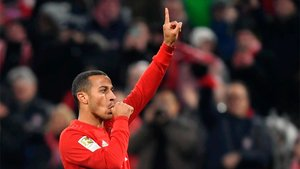 Thiago cambia el rojo del Bayern por el del Liverpool