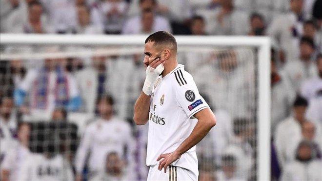 El seleccionar argelino 'pasa' de Benzema