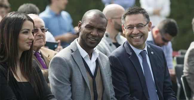 Abidal y el Barça escenificaron el acuerdo firmado