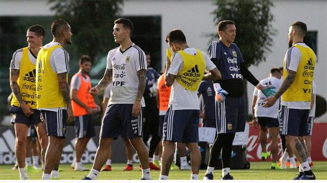 Argentina entrena antes de jugar contra México