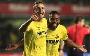 Bakambú y Soldado celebran el 1-0 favorable al Villarreal frente al Real Madrid