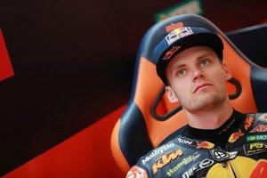 Binder sentado en su box del Red Bull KTM Ajo