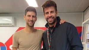 Djokovic charló con Piqué a su llegada
