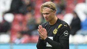 Erling Haaland se quedó sin marcar frente al Augsburgo