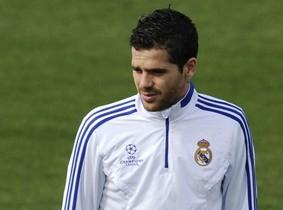 Gago pasó con más pena que gloria por el Madrid, que pagó más de 20 millones por él y le vendió por apenas 3