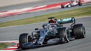 Hamilton empieza arrasando en el Circuit