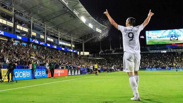 Ibrahimovic seguirá en Los Ángeles Galaxy un año más