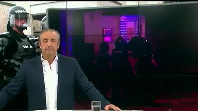 Josep Pedrerol no se pudo contener ante los destrozos de los hooligans ingleses