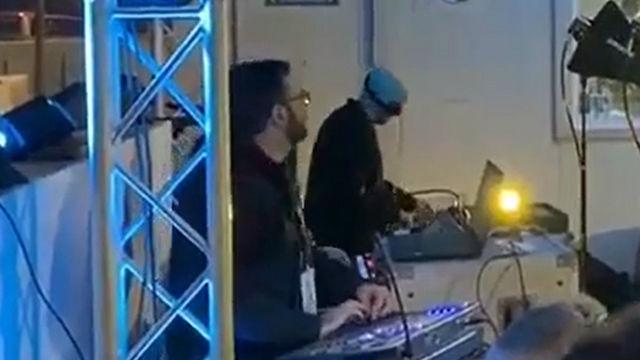 Made in Ibiza: Un DJ ameniza el calentamiento del Barça ante la UD Ibiza