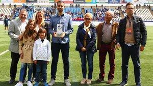 Marc Abelló, en la entrega del premio con la familia de Dani
