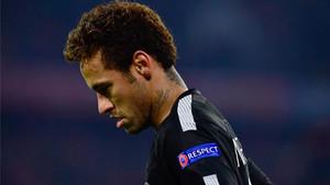 Neymar viajará a Brasil de forma urgente
