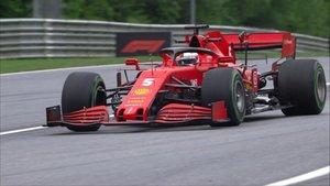 Vettel tuvo un mal arranque de curso en Austria