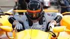 Alonso, en el habitáculo del bólido en el que correrá en Indianápolis