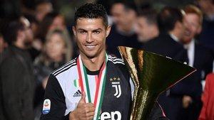 Cristiano celebra su primera Serie A con la Juventus