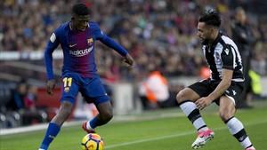 Dembélé, en una jugada ante el Levante