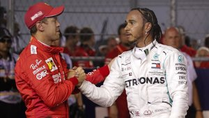 Hamilton felicita a Vettel tras su primera victoria de la temporada