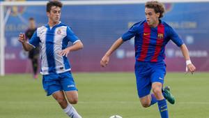Jandro Orellana da equilibrio al centro del campo del juvenil del Barça