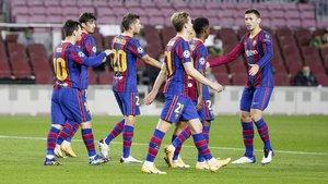 Los jugadores celebran uno de los goles ante el Ferencváros