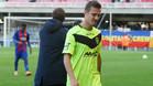 Los jugadores del Eldense se retiraron desolados del césped del Mini Estadi