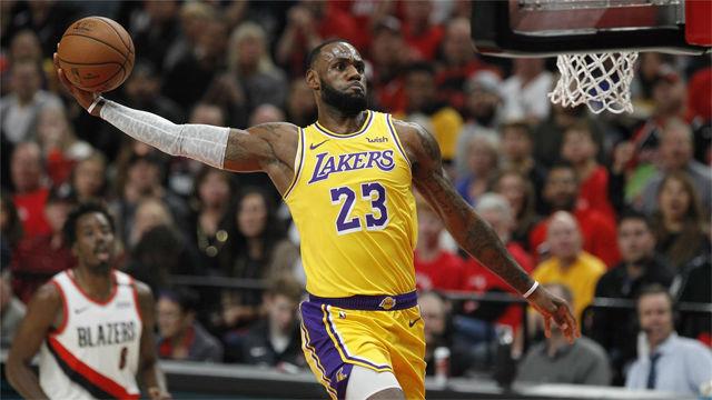 El momento más esperado por los aficionados de los Lakers: así fue el primer canastón de LeBron