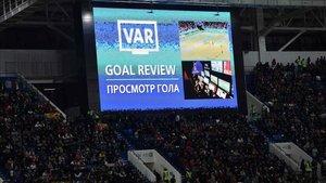 En el Mundial de Rusia 2018 los aficionados pudieron presenciar las decisiones del VAR en el estadio