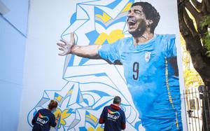 El mural de Luis Suárez en su escuela