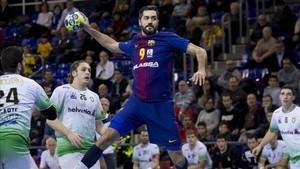 Raúl Entrerríos seguirá vistiendo la camiseta del Barça el año que viene