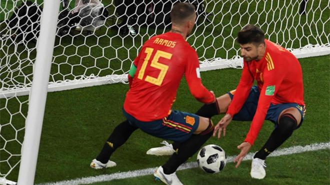 Piqué y Ramos en el España-Marruecos del Mundial de Rusia